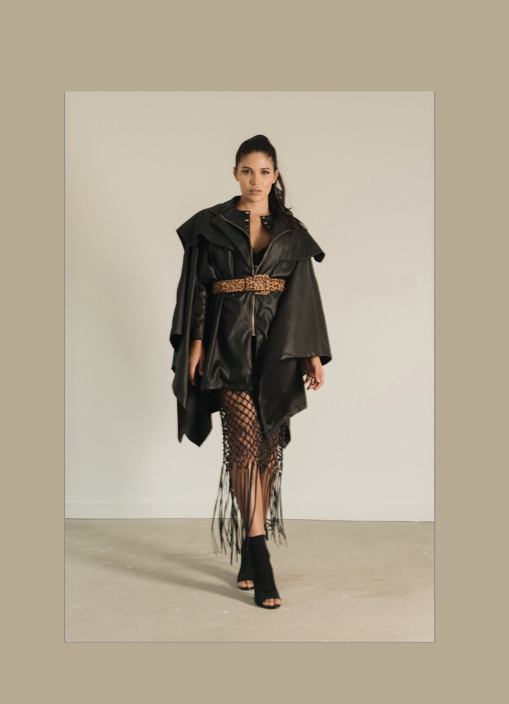 Cape: Miclott / Skirt. Andrea Landa at Casa Precis / Belt & Shoes. Zara
