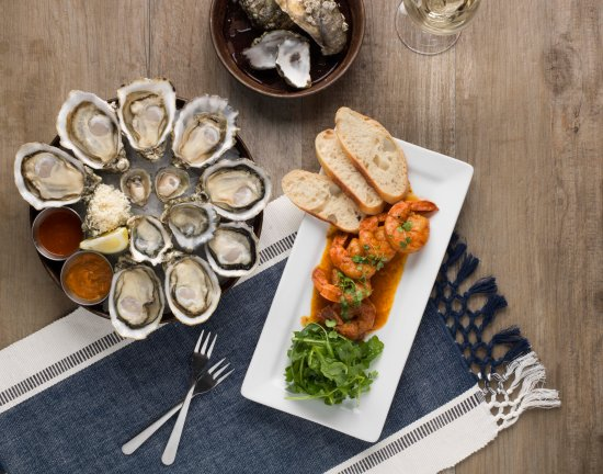 oyster-platter-with-chipotle.jpg