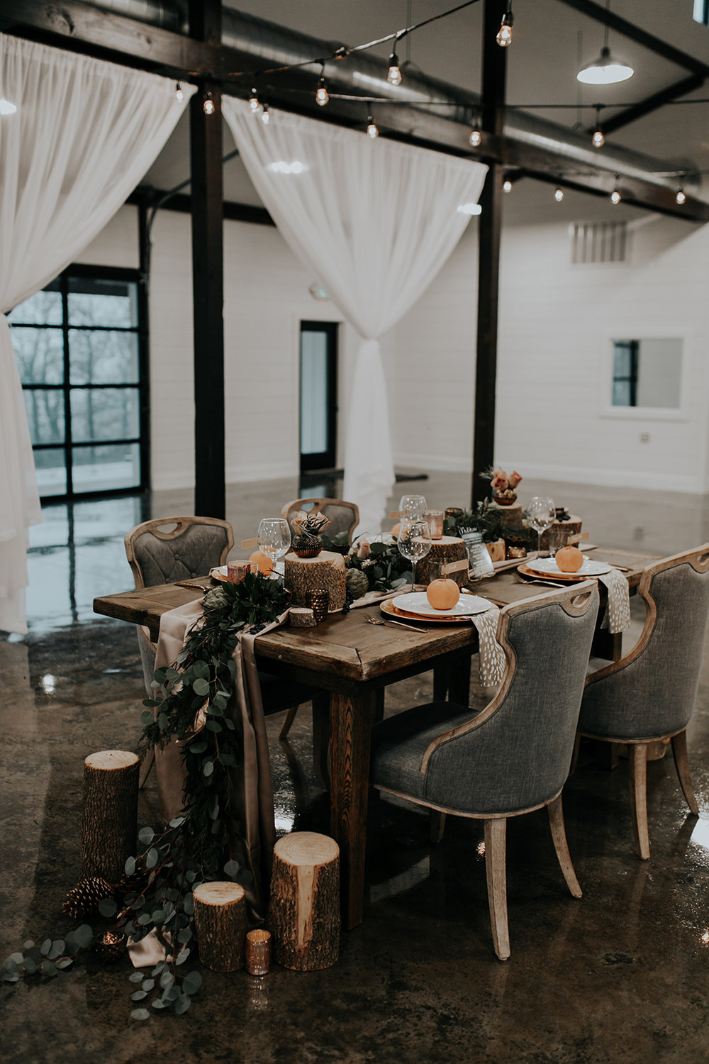 Dream Point Ranch Tulsa Wedding Venue White Barn.jpg