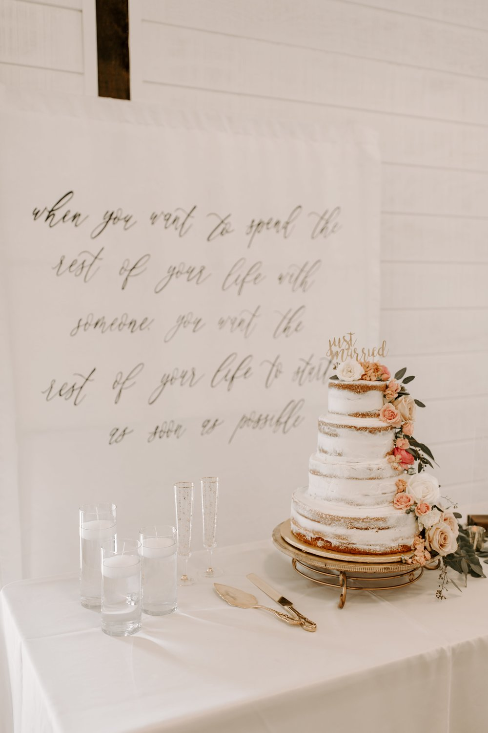 cake table tulsa wedding venue-min.jpg