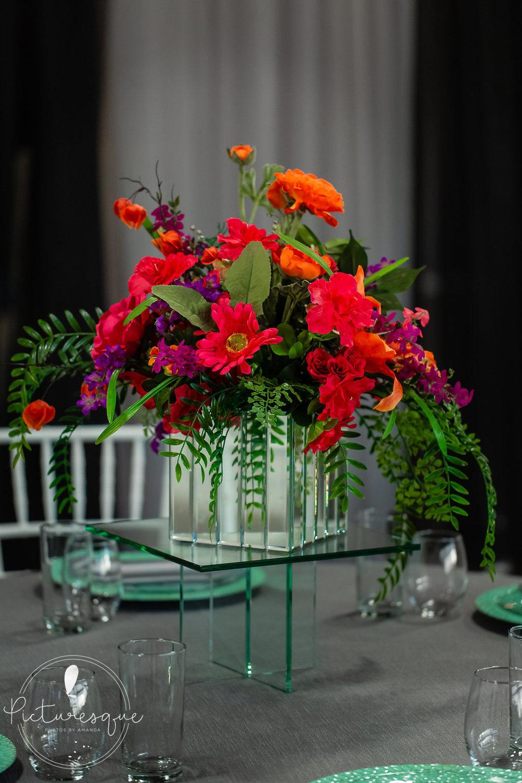 bright florals black accents tulsa weddings 2.jpg