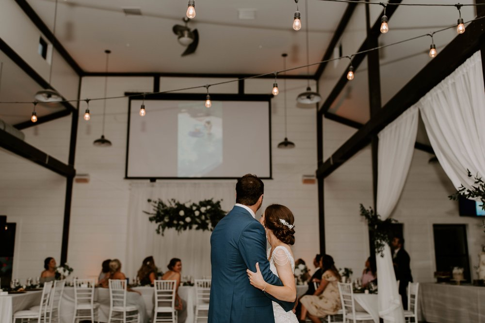 bride and groom first dance 1-min.jpg