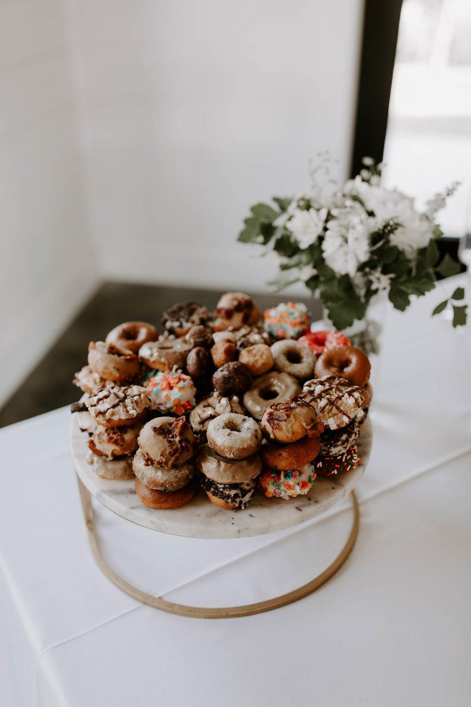 cake table 4-min.jpg