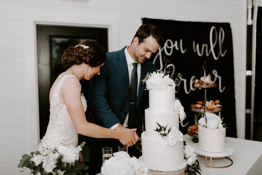 cutting cake-min.jpg