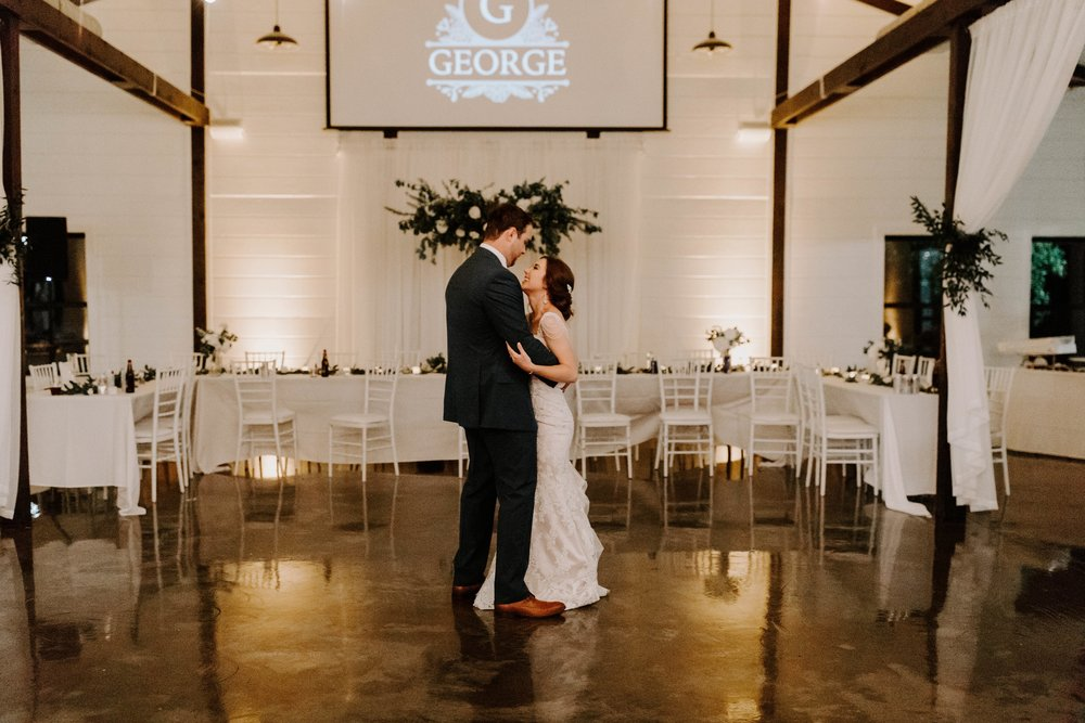 couples last dance tulsa wedding venue-min.jpg