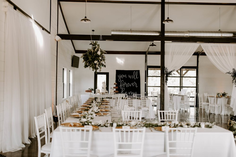 large head table wedding venue-min.jpg