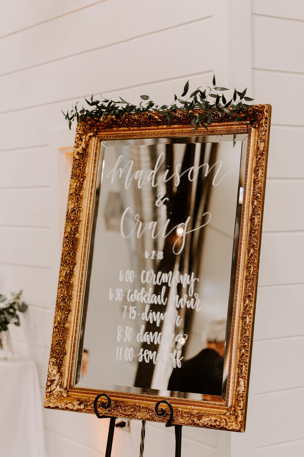 mirror wedding schedule-min.jpg