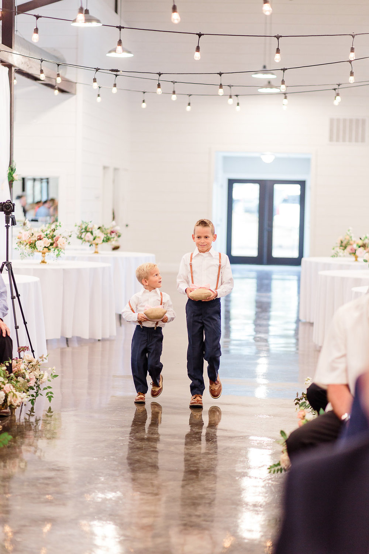 Dream-Point-Ranch-Wedding-Tulsa-Oklahoma-Wedding-Photographer-Holly-Felts-Photography-Baab-Wedding-342.jpg
