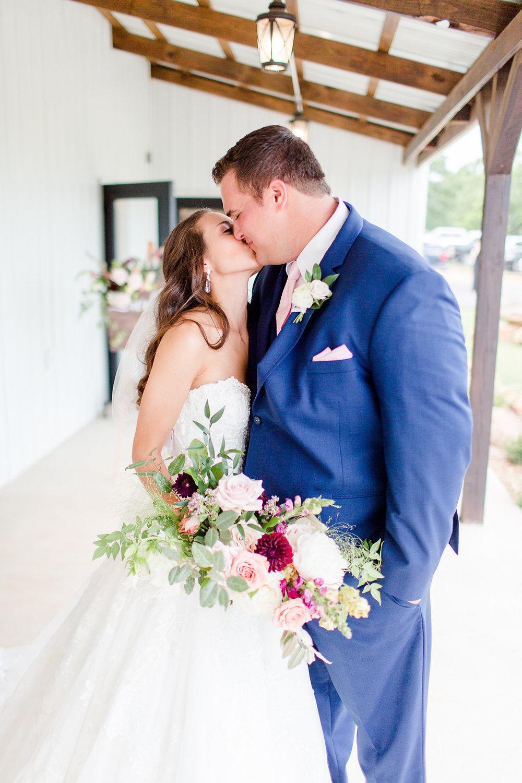 Dream-Point-Ranch-Wedding-Tulsa-Oklahoma-Wedding-Photographer-Holly-Felts-Photography-Baab-Wedding-423.jpg