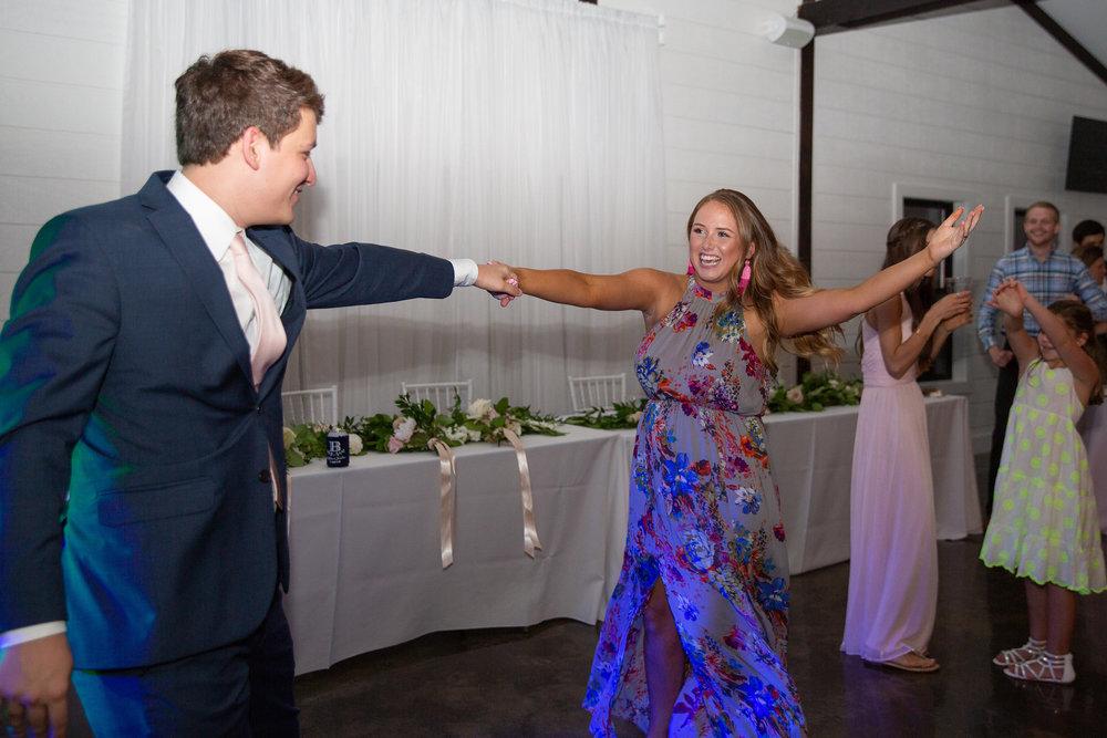 tulsa wedding venue white barn 36.jpg