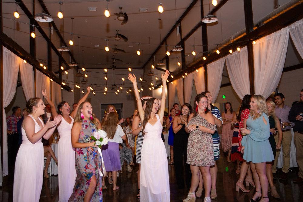 tulsa wedding venue white barn 58.jpg