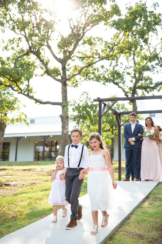 tulsa wedding venue white barn 71.jpg