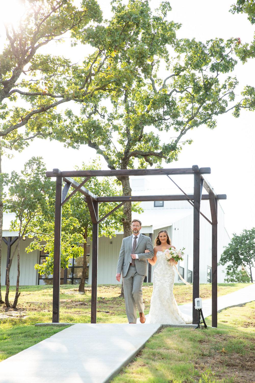 tulsa wedding venue white barn 75.jpg