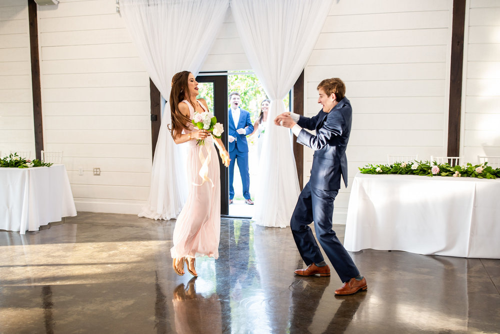 tulsa wedding venue white barn 97.jpg