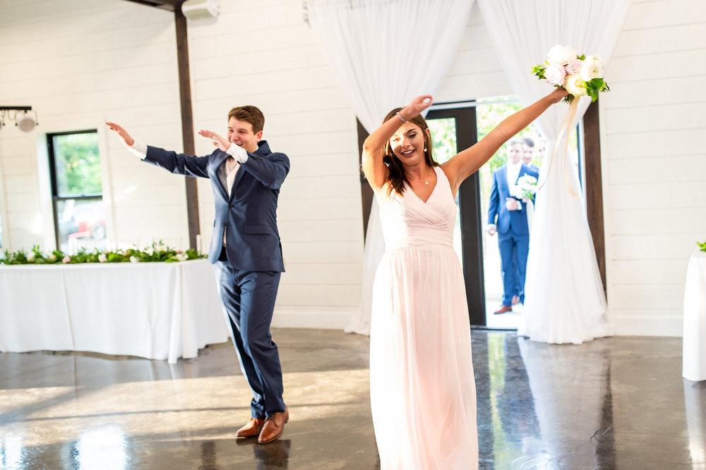 tulsa wedding venue white barn 98.jpg