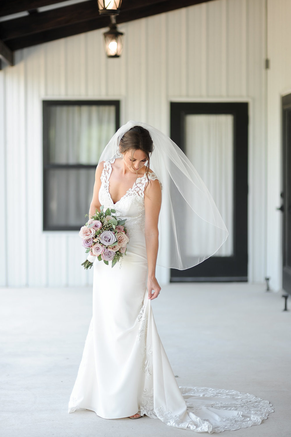 tulsa wedding venue white barn 7.jpg