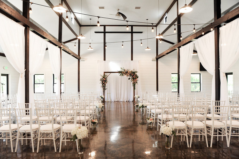 tulsa wedding venue white barn 17.jpg