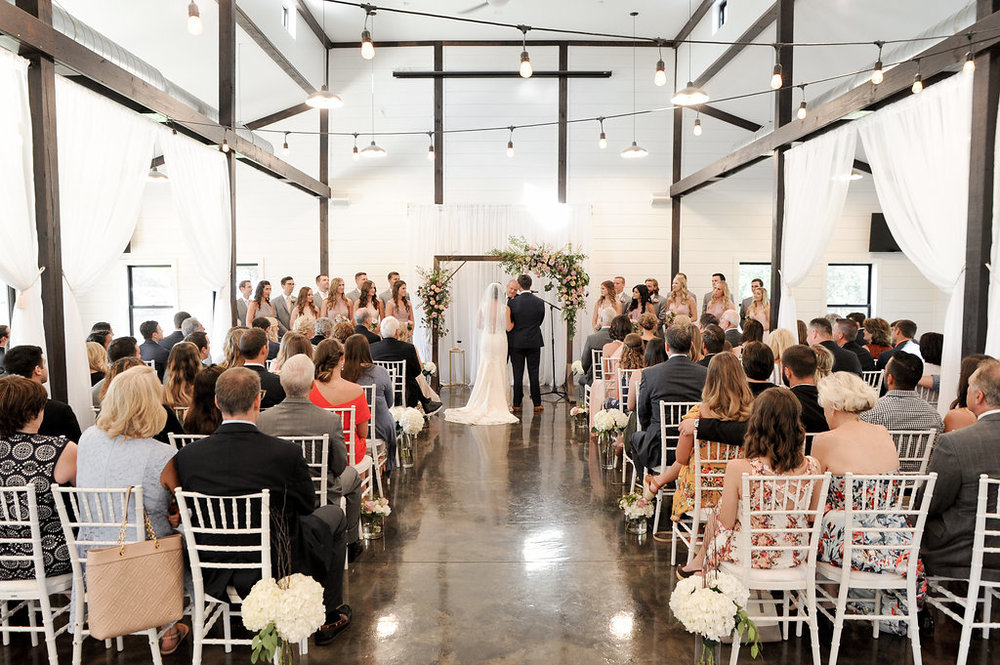 tulsa wedding venue white barn 30.jpg