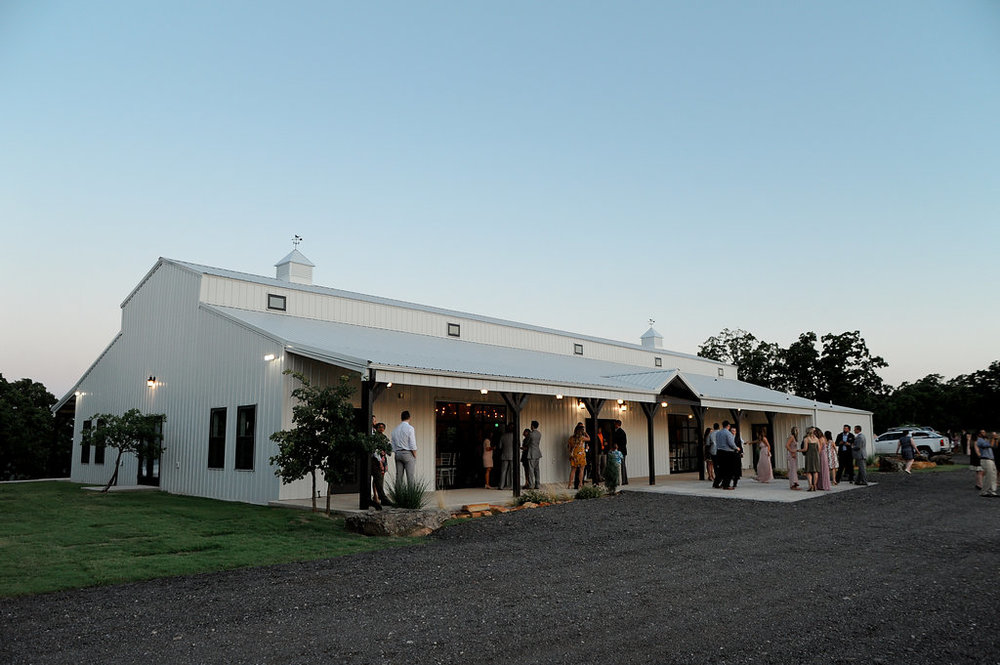 tulsa wedding venue white barn 61.jpg