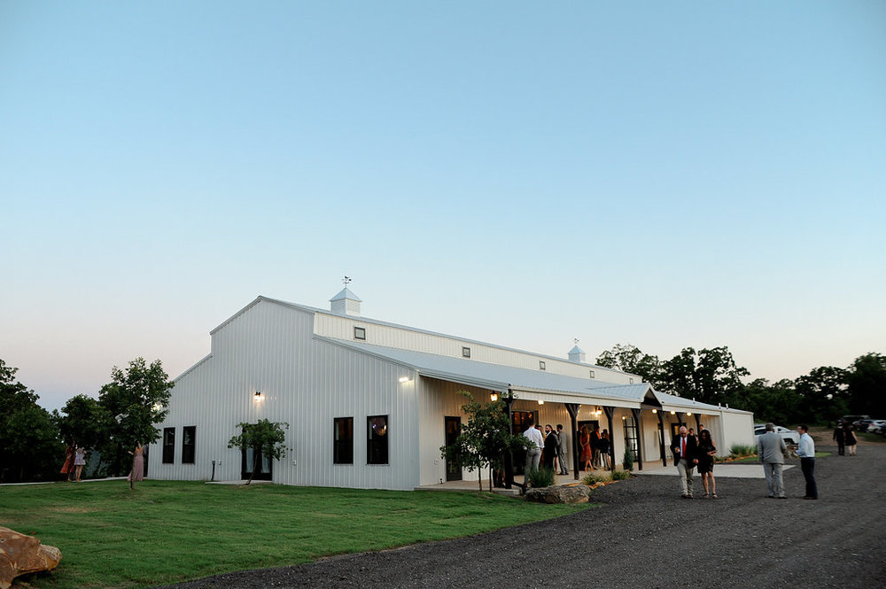 tulsa wedding venue white barn 62.jpg