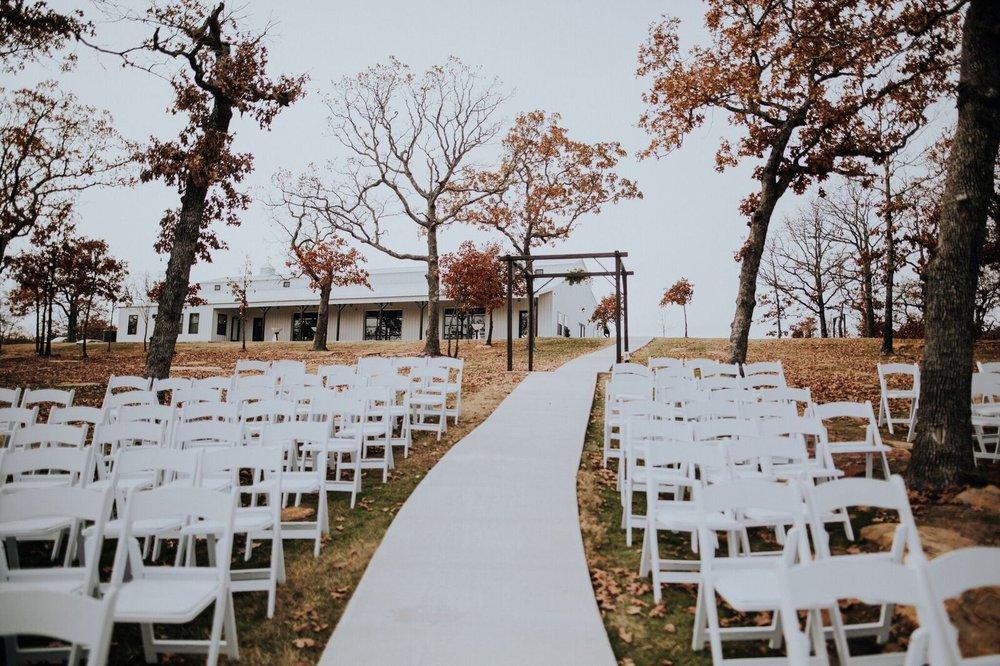 Tulsa Wedding Venue White Barn 00b.jpg
