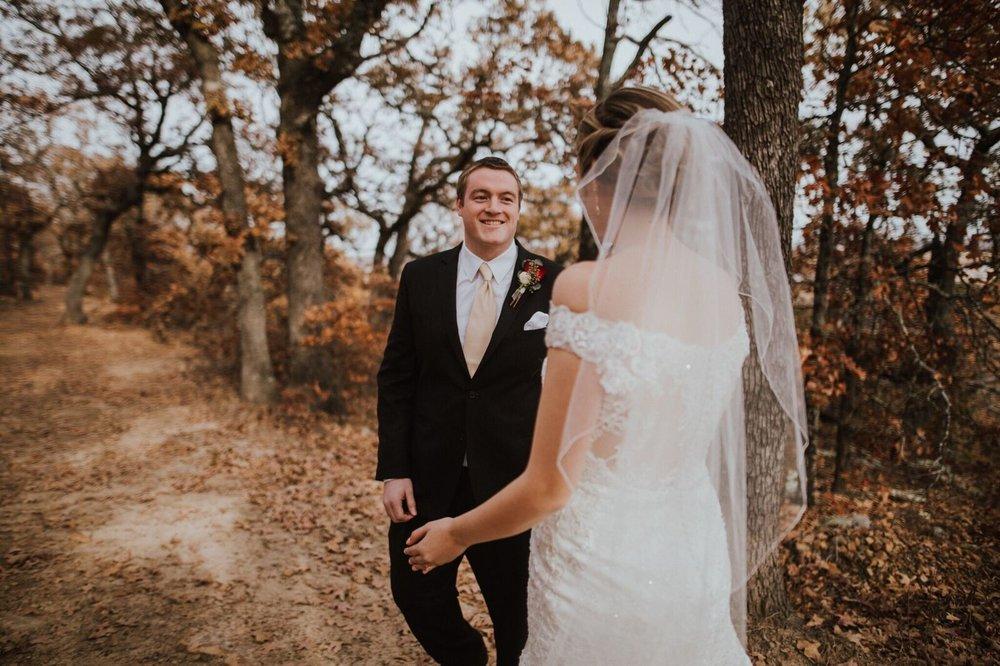 Tulsa Wedding Venue White Barn 9aa.jpg