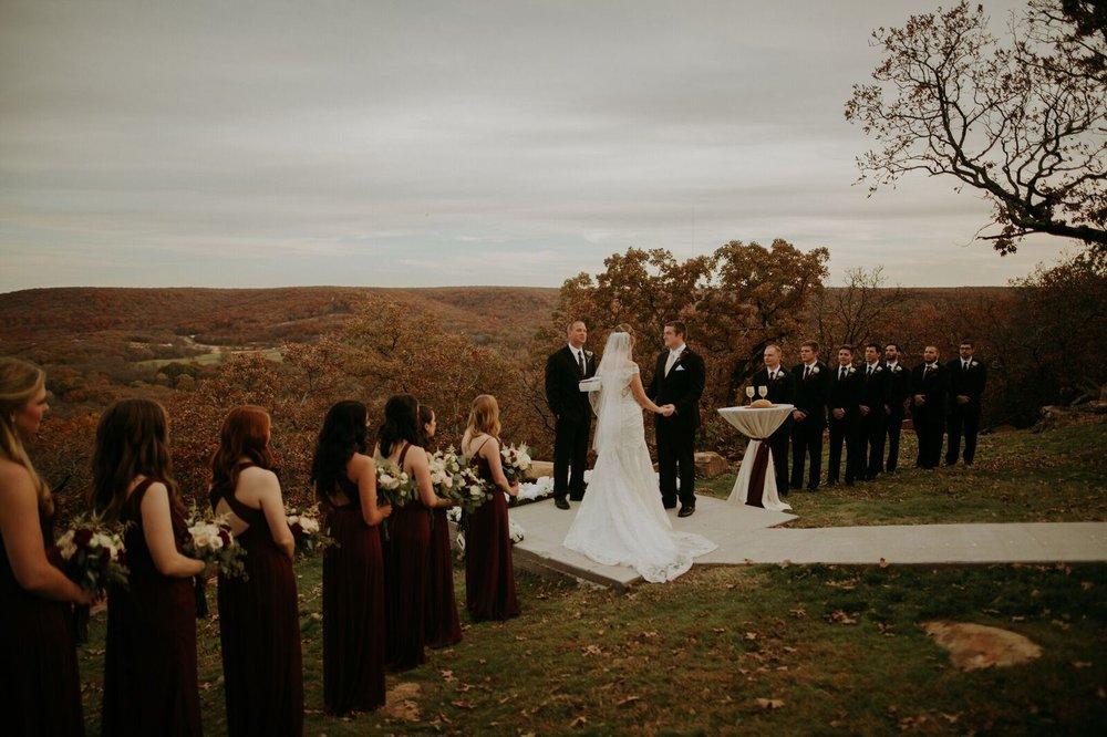 Tulsa Wedding Venue White Barn 17b.jpg