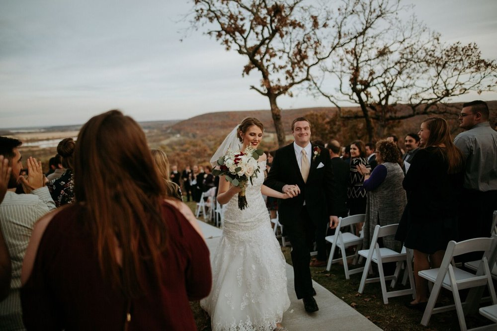 Tulsa Wedding Venue White Barn 18b.jpg