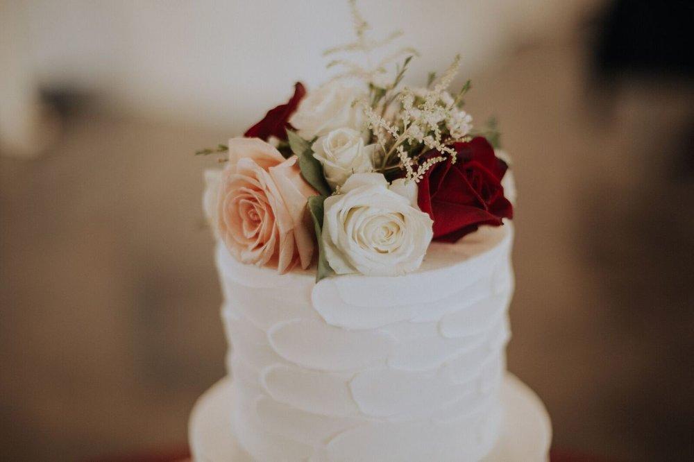 Tulsa Wedding Venue White Barn 21b.jpg