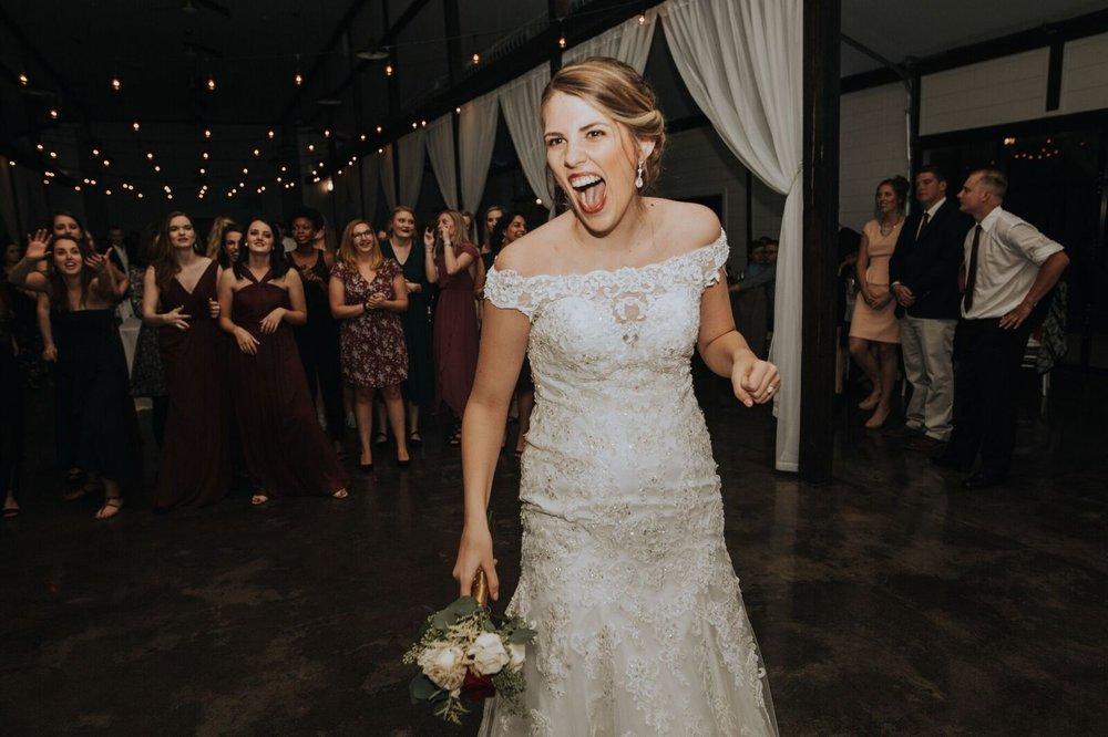 Tulsa Wedding Venue White Barn 24.jpg
