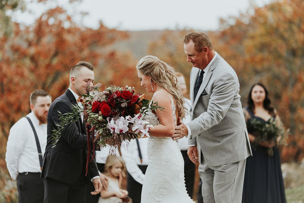 Tulsa Wedding Venue Bixby White Barn 15a.jpg