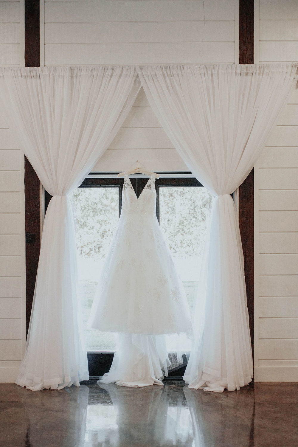 Bixby Tulsa Wedding Venue White Barn 3.jpg