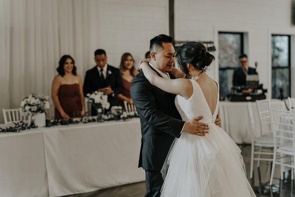 Bixby Tulsa White Barn Wedding Venues 19.jpg