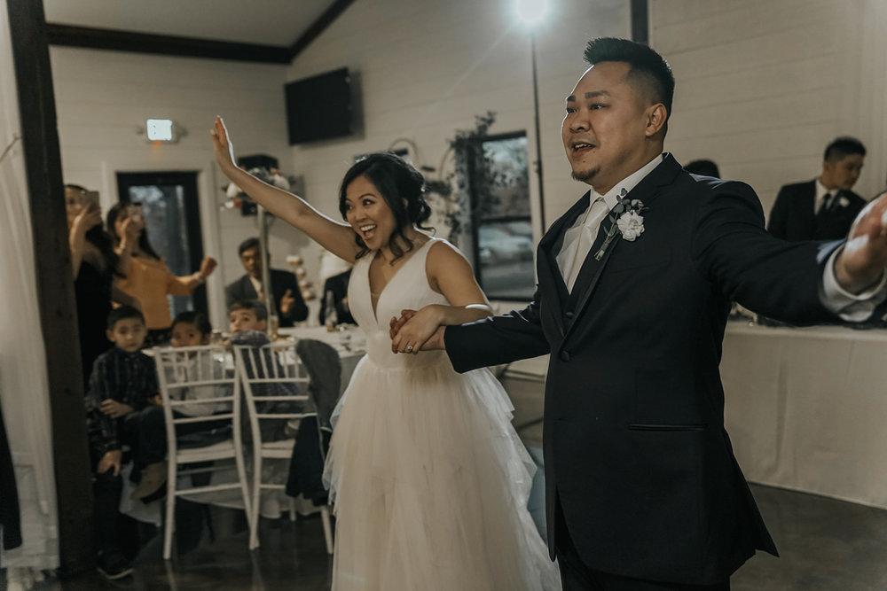 Bixby Tulsa White Barn Wedding Venues 19b.jpg