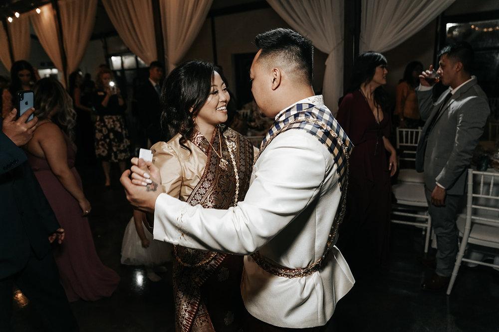 Bixby Tulsa White Barn Wedding Venues 30.jpg