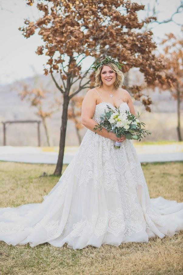 Tulsa White Barn Wedding Venue 10.jpg