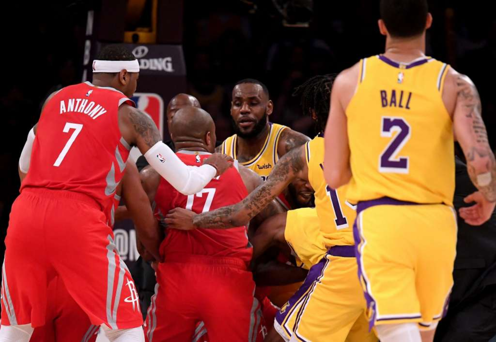 Lakers rockets Fight.png
