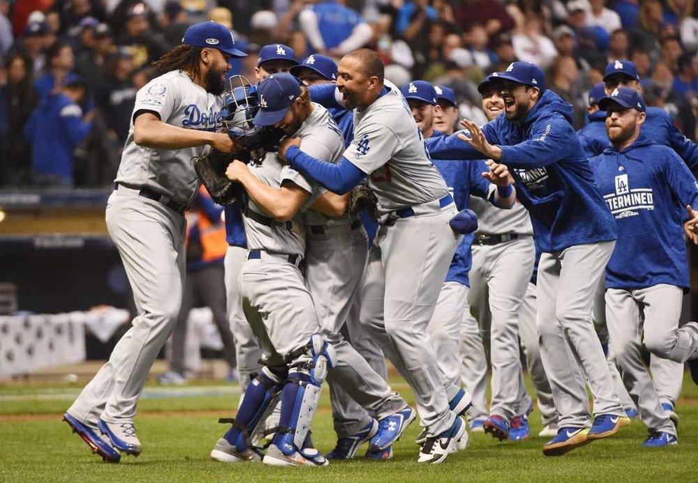 Photo by : MLB