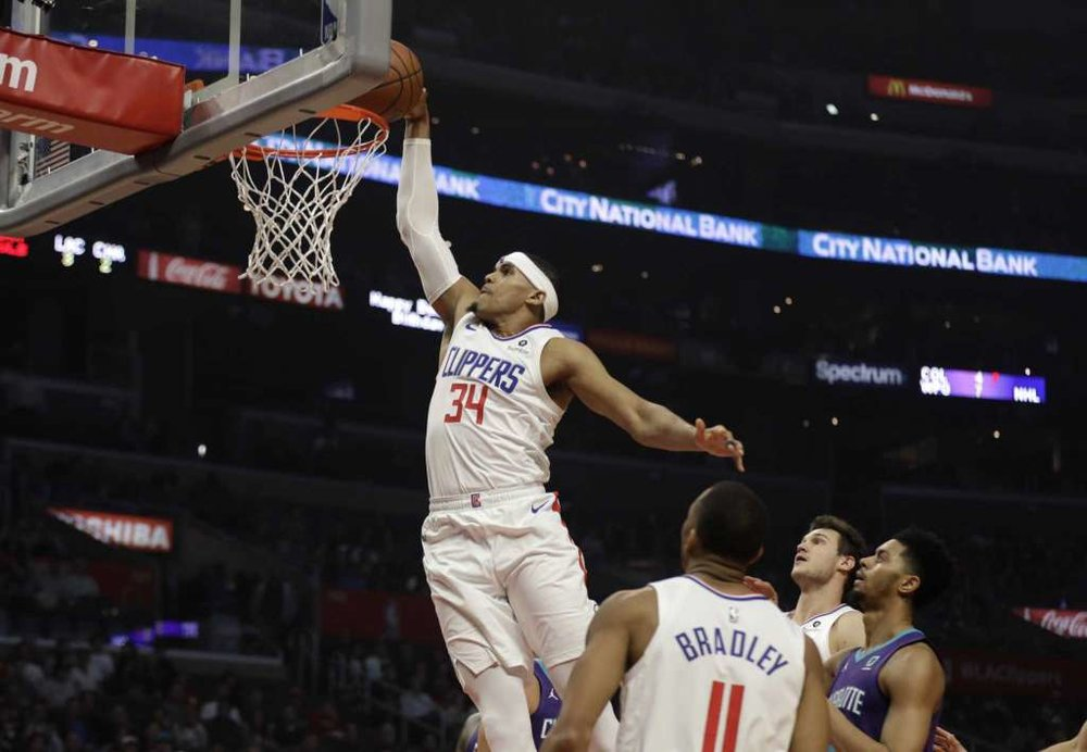 Clippers vs Hornets.jpg