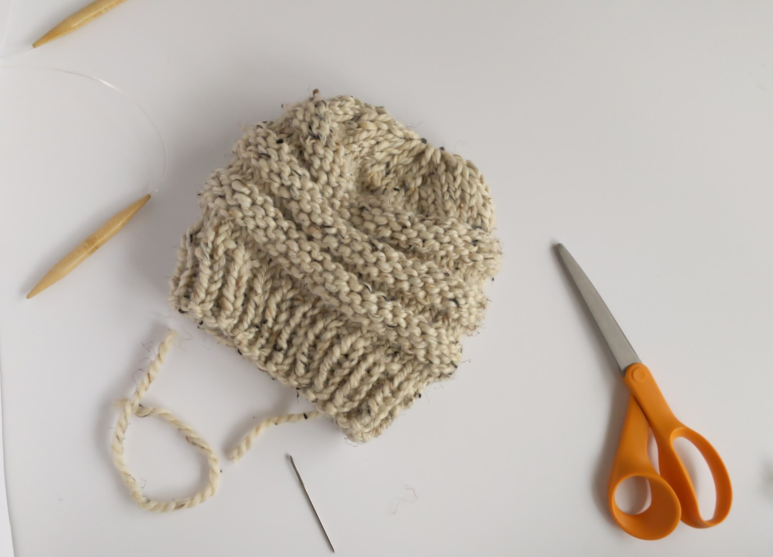 Video Tutorial Finishing A Knit Hat Without Casting Off Cozy