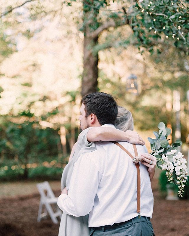 The unposed, real moments. I'll take them allllll, please. 😭♥️ I love looking over my shoulder to capture something so genuine and so sweet. When there's a relationship within the wedding party I pretty much melt from being surrounded by all the love. . . . . . . #fineartcuration #tennesseeweddingphotographer  #atlantaweddingphotographer #georgiaweddingphotographer #destinationweddingphotographer #southernwedding  #gaweddingphotographer #mississippiweddingphotographer #alabamaweddingphotographer #momentslikethese #togetherweroam #momentsovermountains #shesaidyes #alabamaweddingsmag #selmaweddingphotographer #documentaryweddingphotographer #destinationweddings #birminghambride #alabamawedding #outdoorwedding #backyardwedding #vsco_wedding #fuji400h #fujipushed