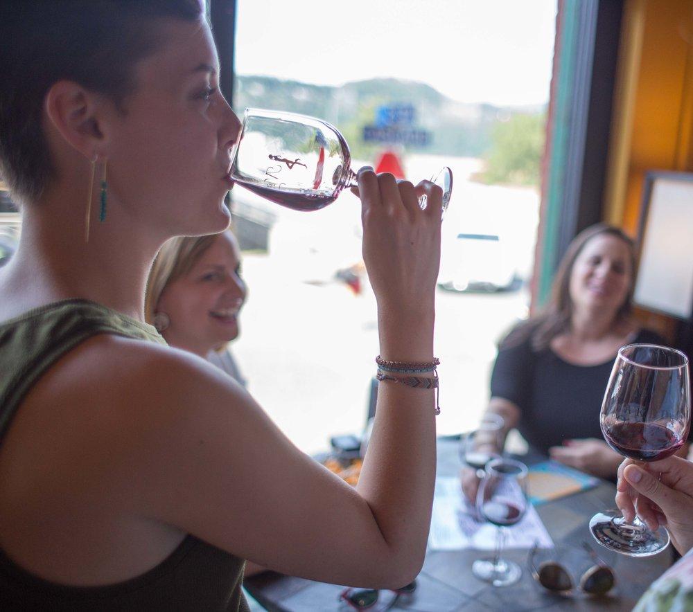Hood River Wine Alliance Wine Walk  Columbia Gorge Downtown Tasting Rooms Wineries Drink Taste Explore-87.jpg