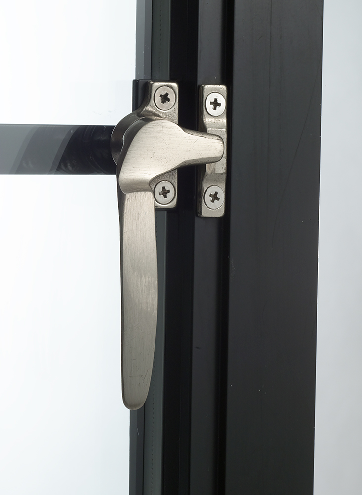 SKL3.8_Handle_Mounted-dark-13 (1).jpg