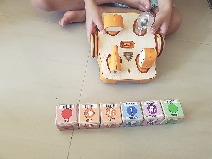 Boost hand eye coordination and learn the engineering process as the child scans the program into the KIBO