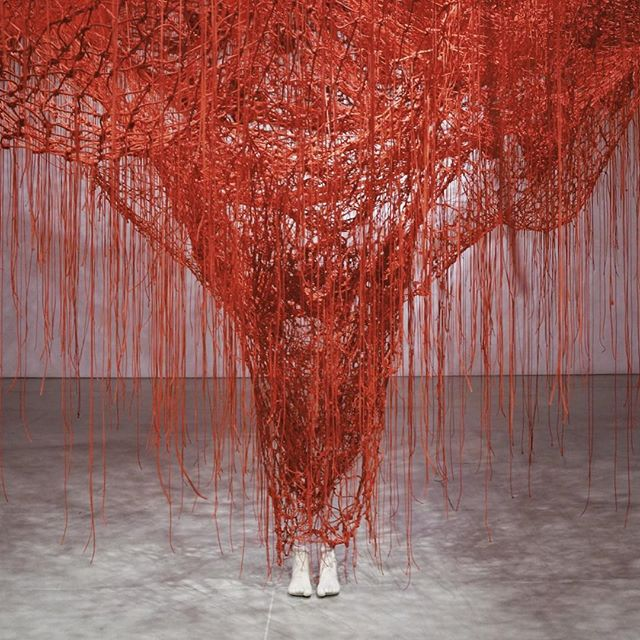"Chiharu Shiota ""Me Somewhere Else"" at @blainsouthern gallery. Sense of existence... . 塩田千春さんの、ロンドンでの個展。そこにいる存在感。1/19まででした。 . . . #chiharushiota #塩田千春 #blainsouthern #london #contemporaryart #redstrings #galleryhopping"