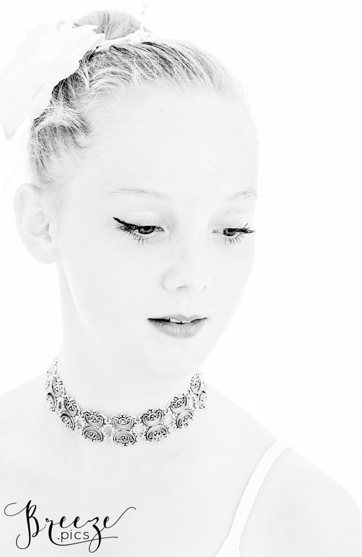 BW-portrait-Bernadette-Meyers.jpg