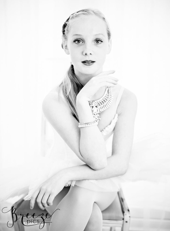 BW-portrait-Bernadette_Meyers.jpg