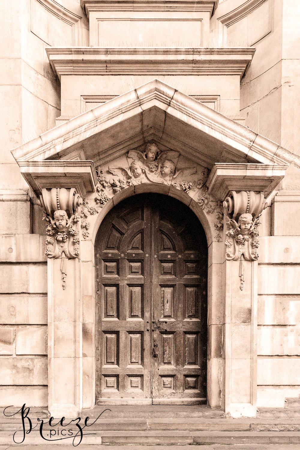 Rustic_Wooden_Door_London.jpg