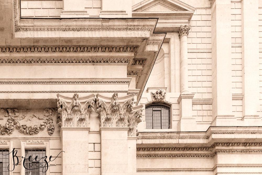Windows_and_Stonework_Details_StPauls_London.jpg