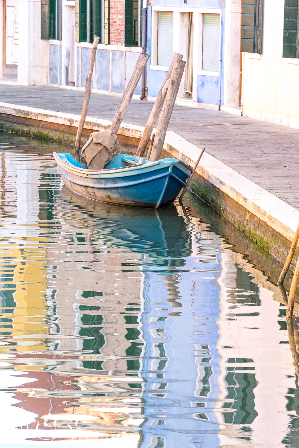 Blue_Burano_boat-Ed.jpg
